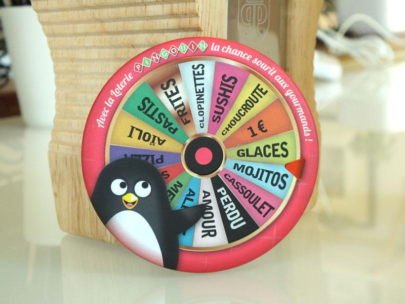 magnet décoratif sur l'univers pingouin